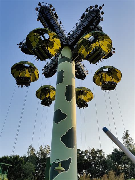 Toy Soldiers Parachute Drop - Wikipedia
