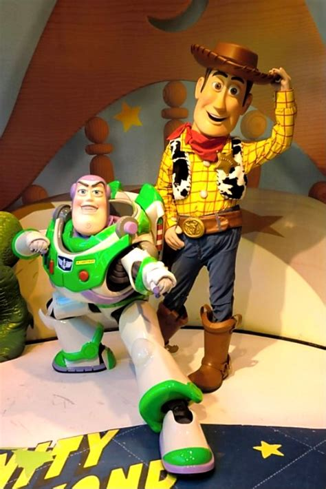 Unofficial Disney Character Hunting Guide: Disney's